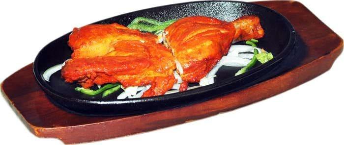 熱々の釜で焼き上げるタンドール料理