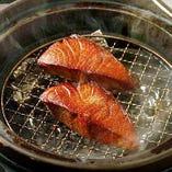 土鍋で燻る燻製料理