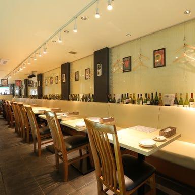 オマール海老とワイン酒場 アルヴェーレ 店内の画像