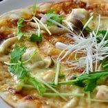 若鶏のデミグラスピザ