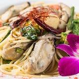 牡蠣と旬野菜のペペロンチーノ