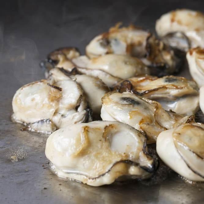 瀬戸内の新鮮な牡蠣を鉄板焼きで♪