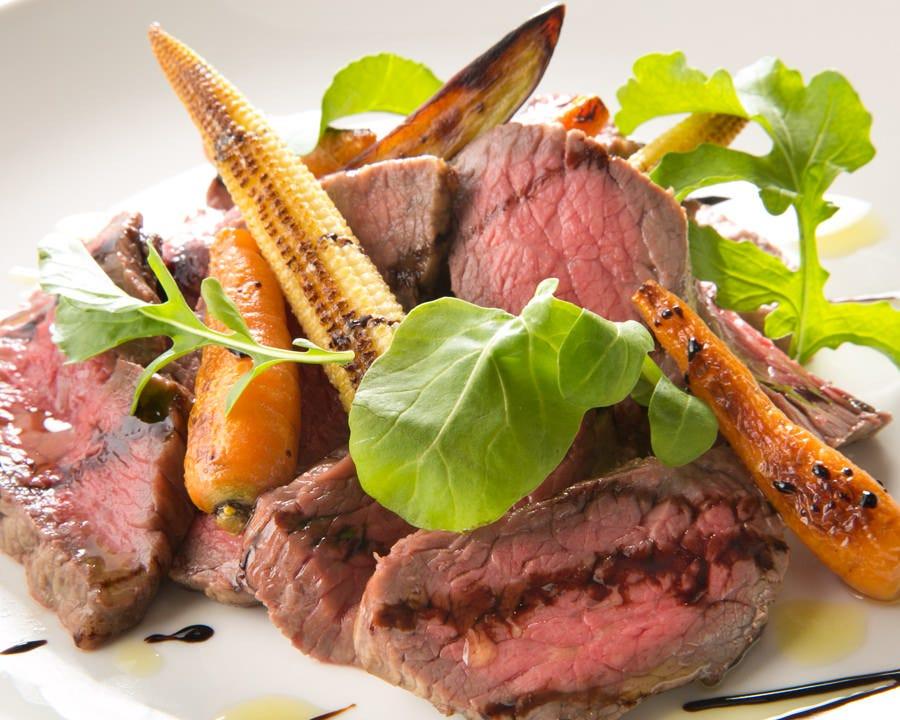 融点21.3度の最高級赤身肉 関村牧場の「漢方和牛ステーキ」