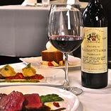 ソムリエ厳選のワインリストもございます。