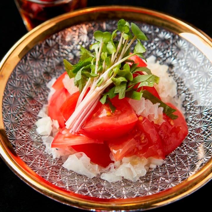 『煎り酒の冷やしトマト』693円