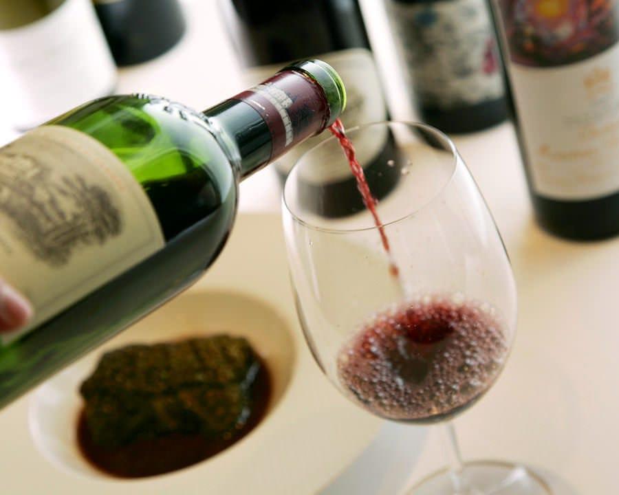 特別な方の特別な日を 美味しいフレンチとワインで彩ります