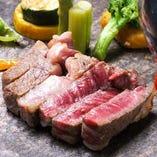 厳選したお肉をご堪能ください。口の中でとろけるような旨さ!