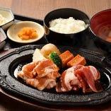ジンギスカンと味噌漬け豚の鉄板焼き定食