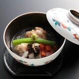 季節会席 「蒸物」筍饅頭の蟹銀餡掛け