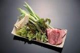 「春の料理」 山菜と氷見牛の石焼