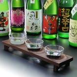 【奈良県の地酒】日本酒の発祥は奈良県の「正暦寺」といわれます。室町時代には世界に先駆けて火入れによる殺菌を行うなど高い醸造技術を誇り、奈良の「諸白」はもっとも上質で高級な日本酒としての揺るぎない名声を博していました。かがりやではこの諸白の流れを汲む県内の蔵元から、旬の味をご提供しています。