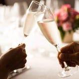 「日本料理 かがりや」はホテル直営の館内レストランです。結婚式の二次会や同窓会、謝恩会などにご利用いただけます。これまで、コンサートや講演会、販売会、研修などさまざまなシーンでご利用いただきました。講演会+食事会、会議+食事会、二次会+食事会+宿泊、などご対応いたします。