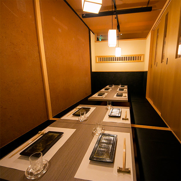 テーブル・掘りごたつ・完全個室(壁・扉あり)・2名様~15名様