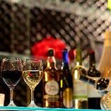 飲み放題はグラスワインや梅酒、ウィスキーなど。