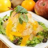 フレッシュフルーツのサラダ
