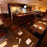 【店内全景】貸切は35~45名様 日本酒を囲んで和やかな宴会をお楽しみください(平日限定)
