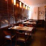 【テーブル席】2~11名様 雰囲気のある窓際のお席(休前日限定)