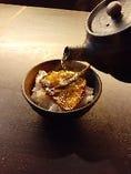 特製の一番出汁を掛けて食べるのが醪音「通」の締めくくり方です。