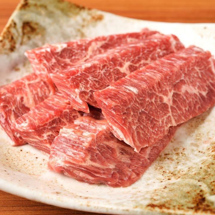 焼肉も定番料理も充実のラインナップ