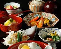 各種ご宴会に最適なコース料理ご用意ございます。