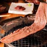 【厳選牛も食べられる】肉八の食べ放題2,980円コース 全68品(税別)|宴会・歓迎会・送別会