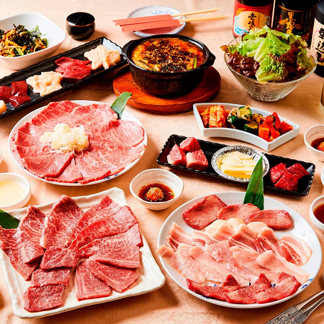 20種近くのお肉と多彩な逸品でご宴会