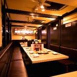 【フロア貸切】半個室5部屋を結合した大型宴会向けテーブルスペース(20〜30名様)
