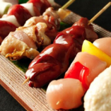 [博多串焼き]職人仕込み。朝〆鶏や福岡県産糸島豚を串焼きで