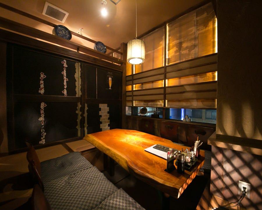 ■接待向けの落ち着いた広々個室