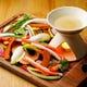 季節のお野菜が楽しめる『バーニャカウダ』やみつきです♪