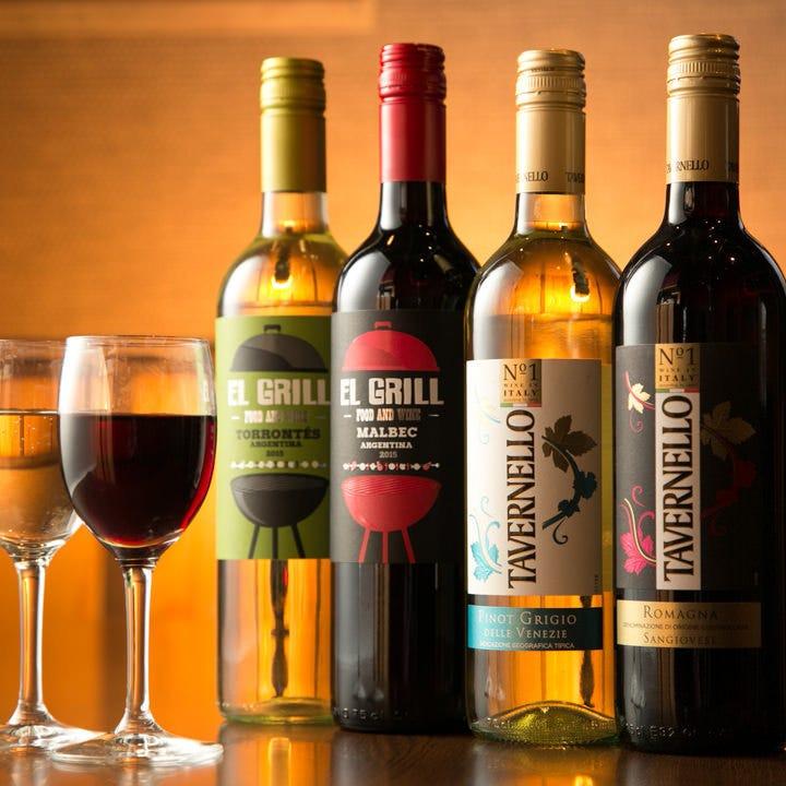 肉料理にぴったりのワインや女性に人気の甘めのお酒もございます