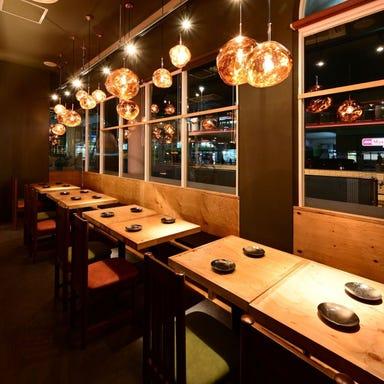 肉巻き野菜串と屋台ぎょうざの居酒屋 びすじろう 勝川駅前店 店内の画像