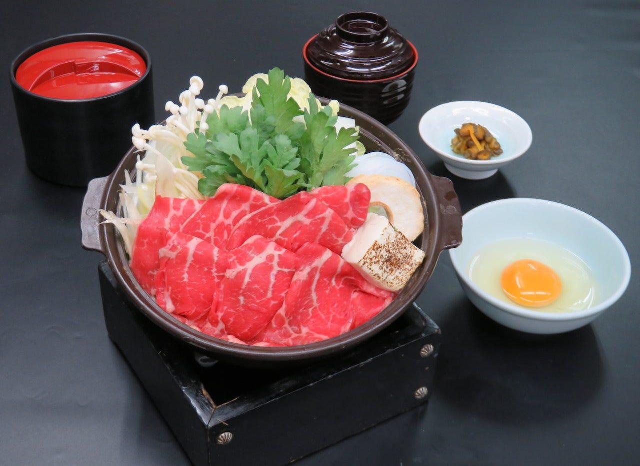 すき焼き 1,500円(税込)
