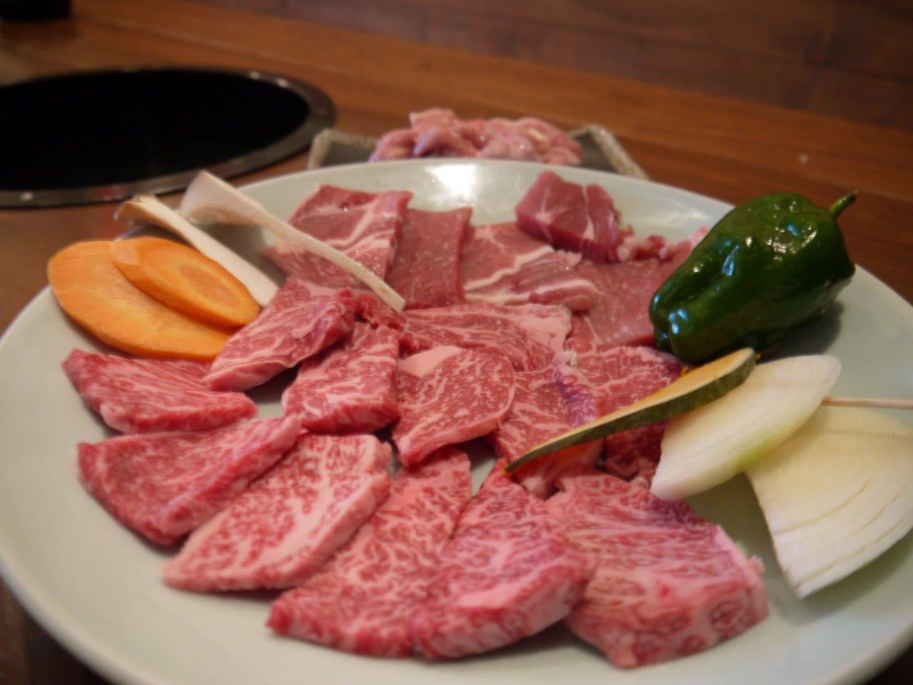 【3000円コース】焼肉・〆・デザートなど16品付いて3000円※食べ放題ではありません