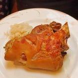 シュバイネハクセ アイスヴァインをオーブンで焼いたもの 4400円