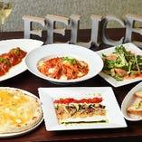 その日のおすすめピッツァとパスタの両方が味わえるコースは気軽なパーティーにピッタリ!