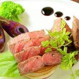柔らかく旨味のある『牛ランプのステーキ』