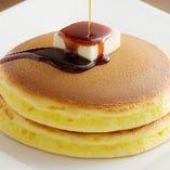 バターと黒蜜の組み合わせこそが、昔ながらの『ホットケーキ』