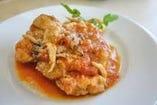 カチャトーラ(鶏もも肉のトマト煮込み)