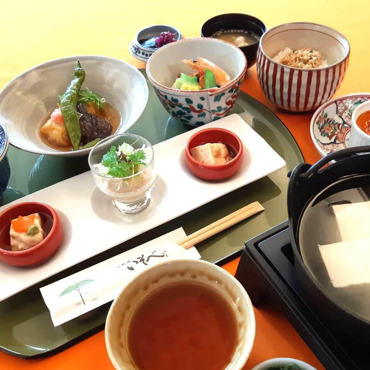 """1人鍋の湯豆腐でほっこり温まる・湯葉料理もデザートも楽しめる""""湯どうふ膳""""全8品"""