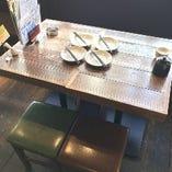 2名様まで着席可能な「テーブル席」