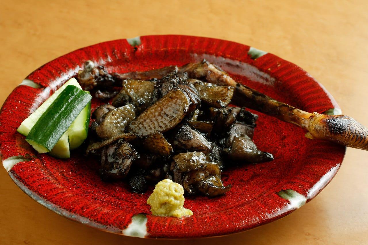 鶏の旨味を最大限に引き出した究極の炙り一本焼きをご堪能下さい