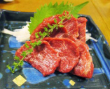 お肉料理もご用意してます。
