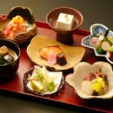山海の幸を取り入れた加賀料理会席