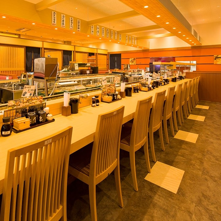 日本の四季を寿司で味わうカウンター