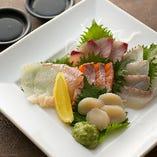 【魚も美味い】 新鮮魚介を毎日仕入れ。日替わりの単品も必見!