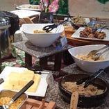 日替わりの手作り惣菜が食べ放題!ランチバイキング