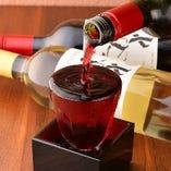 なみなみと枡までこぼす『こぼれグラスワイン』がおすすめ♪