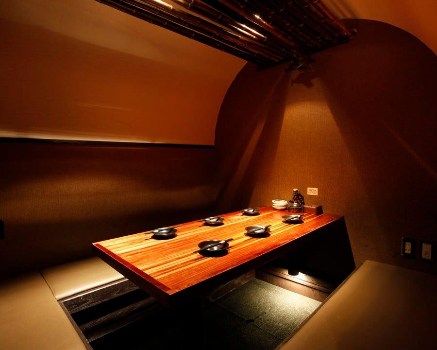 テーブル席・完全個室(壁・扉あり)・7名様まで