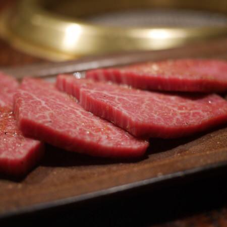 赤身肉限定〜希少部位の数々 肉の旨味を堪能してください!